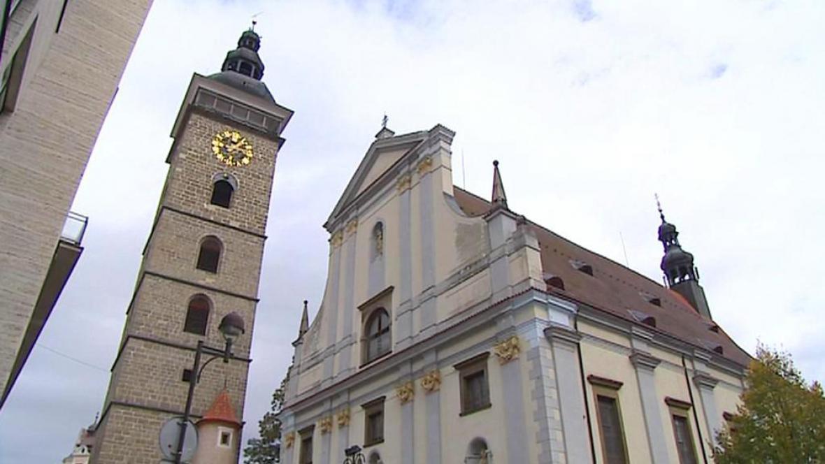 Černá věž a chrám sv. Mikuláše