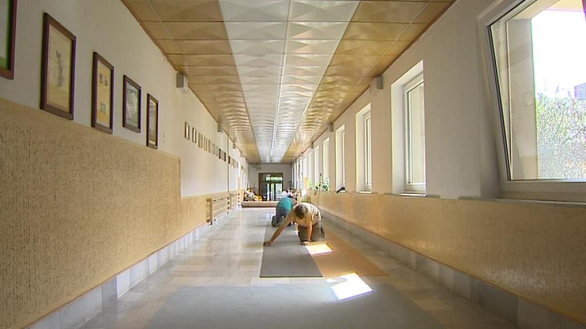 Protiradonová opatření ve škole v Kovářově