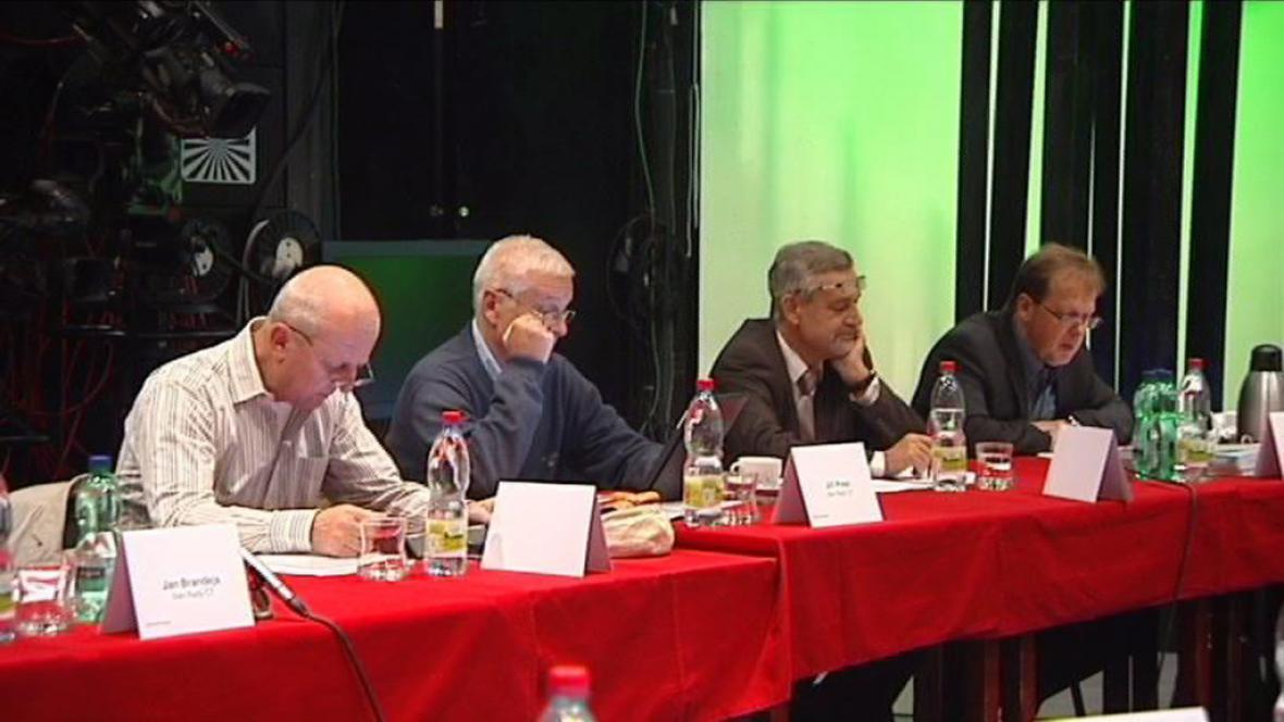 Foto ze zasedání rady ČT