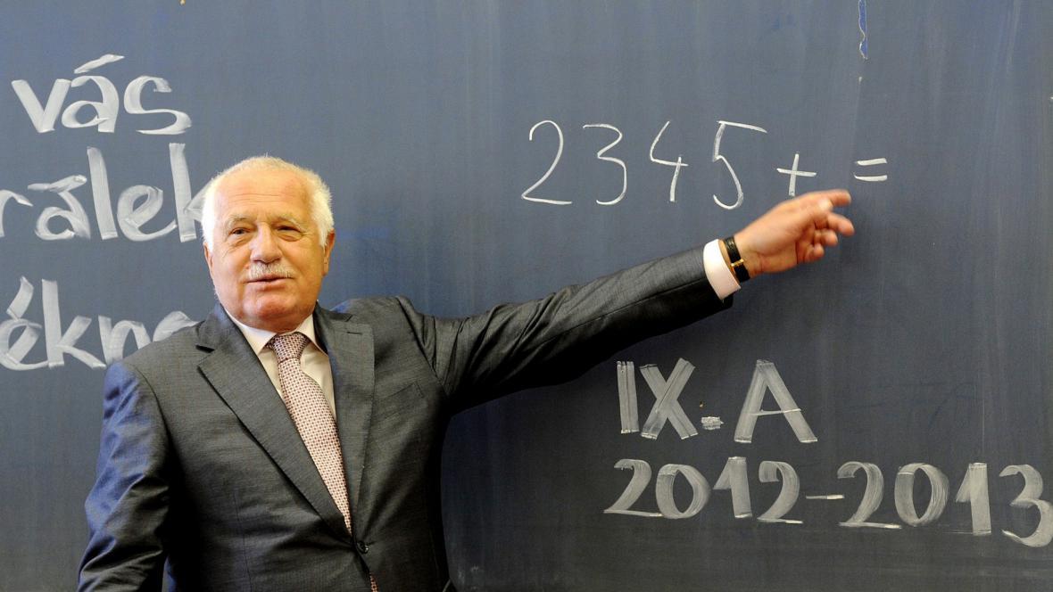Václav Klaus v pražské základní škole Na Smetance