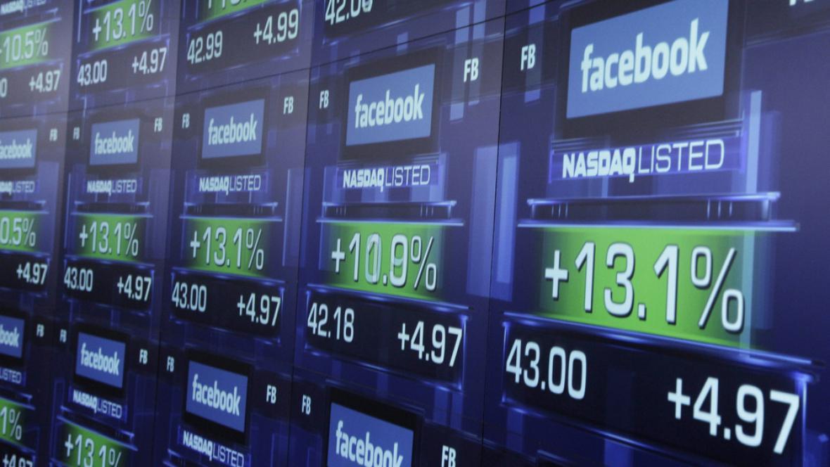 Facebook vstoupil na burzu