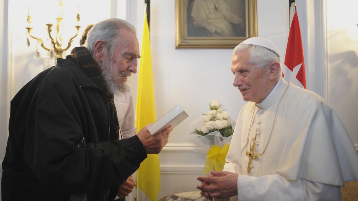 Papež s Fidelem Castrem