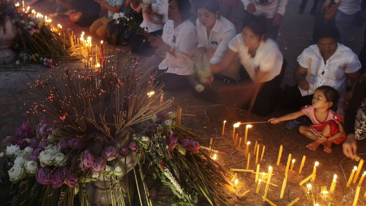 Smutek za kambodžského krále