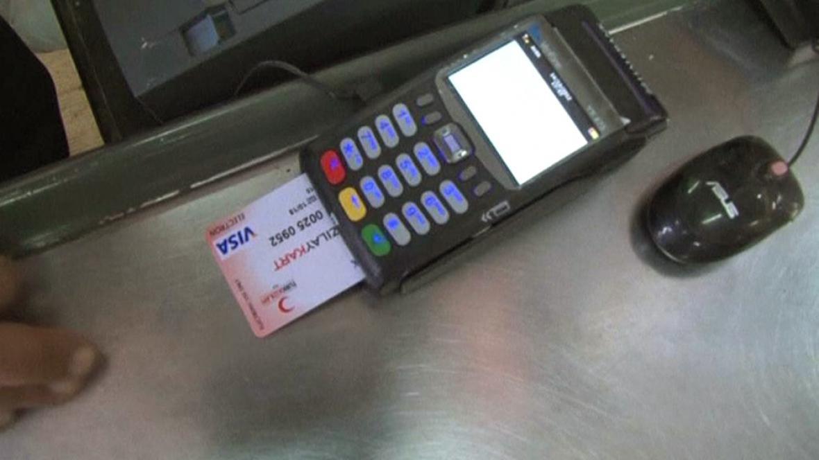 Platební karta pro syrské uprchlíky