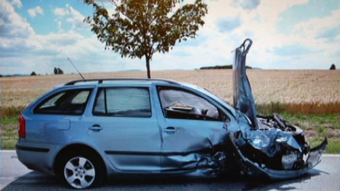 Následky nehody dvou Čechů v Budyšíně