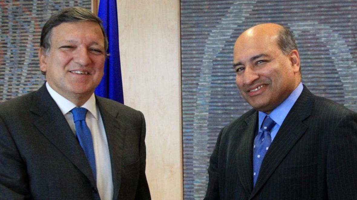 Jose Manuel Barroso a Suma Chakrabarti