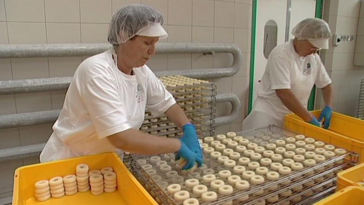 Výroba tvarůžků v Lošticích