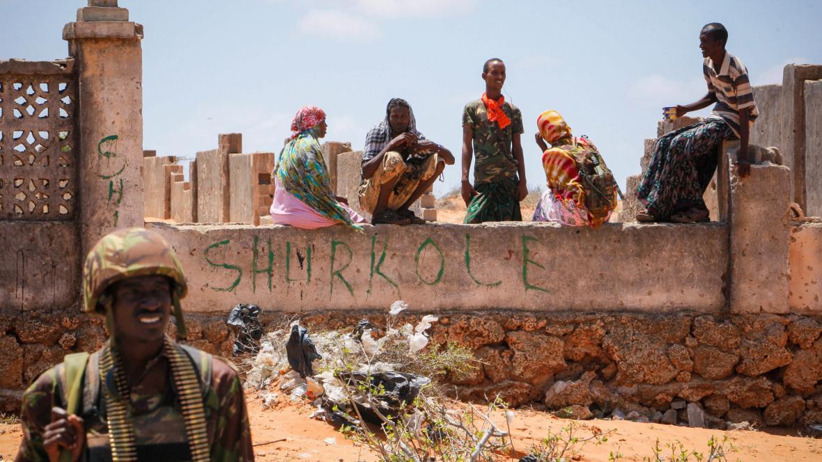 Voják na stráži v Kismayu