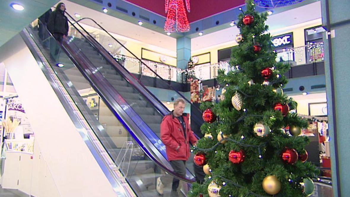 Vánoce v nákupním centru