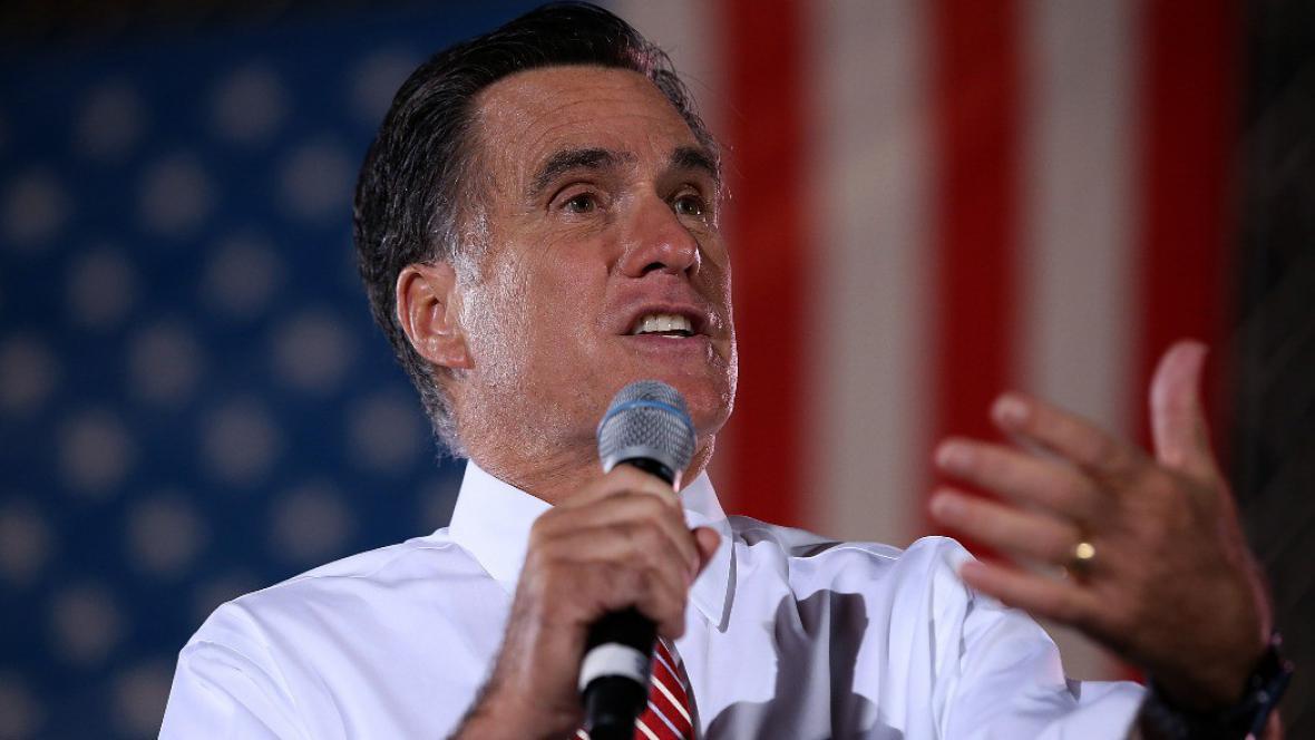 Miit Romney na prezidenské kampani ve Virginii den po prezidentské debatě