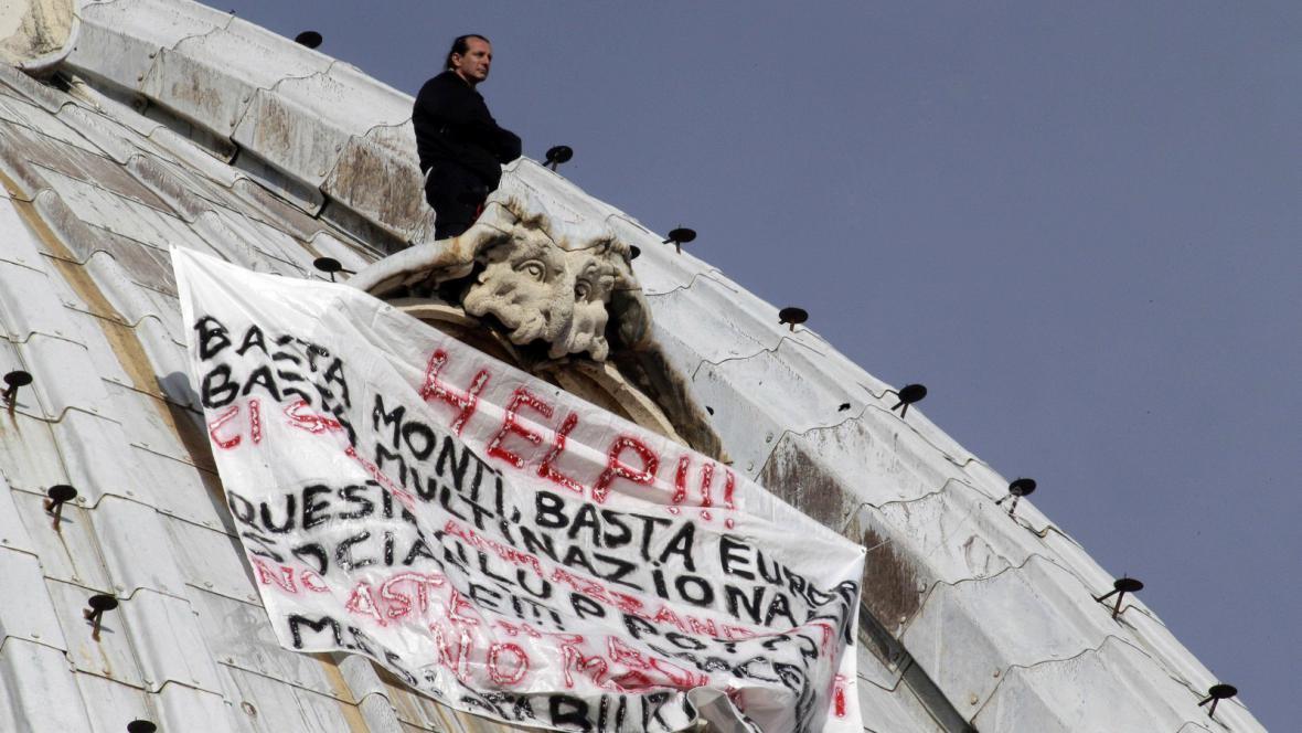 Protest Marcella Di Finizia