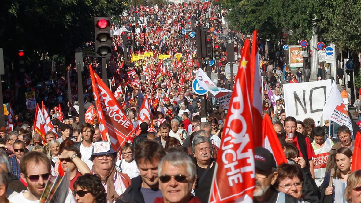 Francouzi demonstrovali proti škrtům v eurozóně