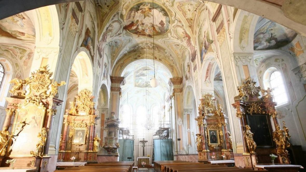 Kostel Narození Panny Marie v Krnově