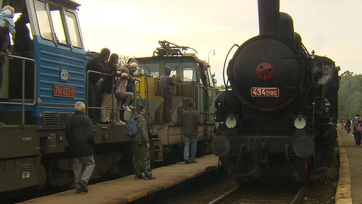 Historická lokomotiva na nádraží Braník při Dnu železnice