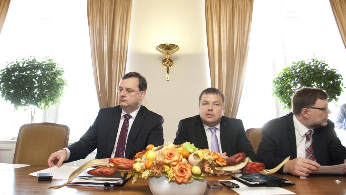Petr Nečas, Petr Tluchoř a Zbyněk Stanjura ve sněmovně