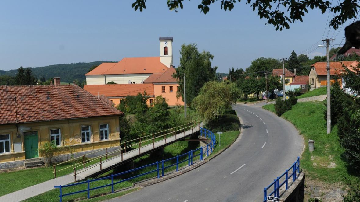 Vesnice Komňa