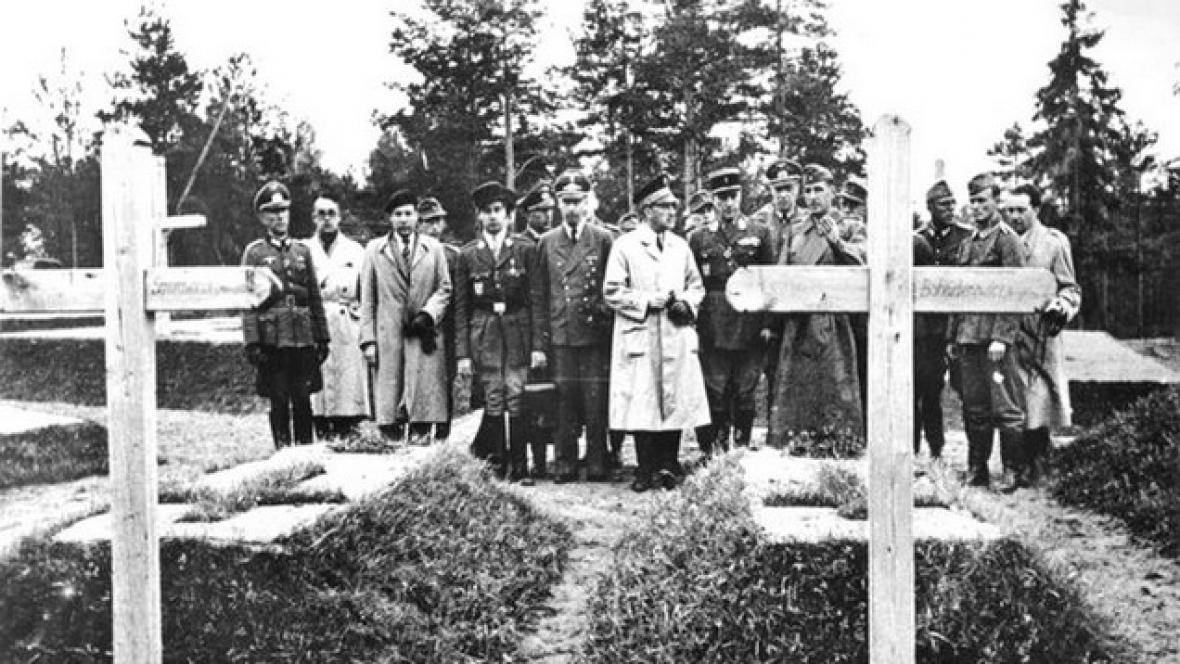 Pohřeb obětí z Katyně
