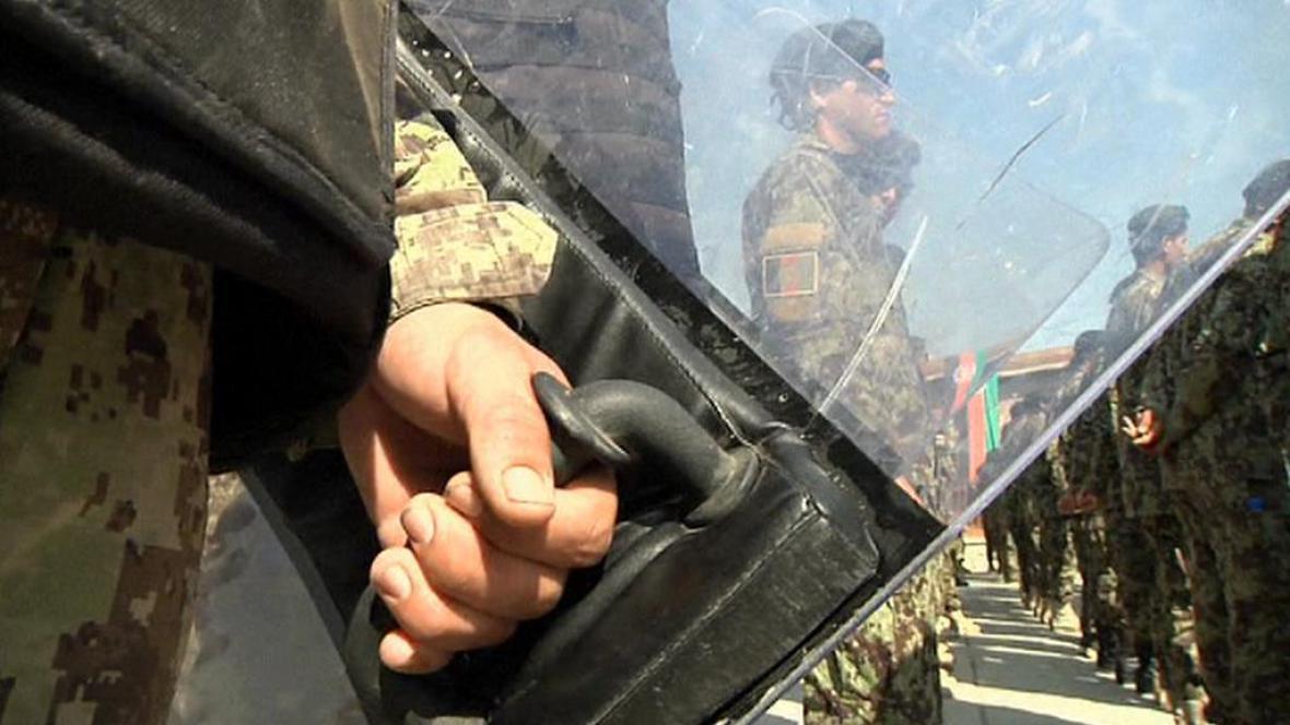 Afghánci přebírají Bagrám