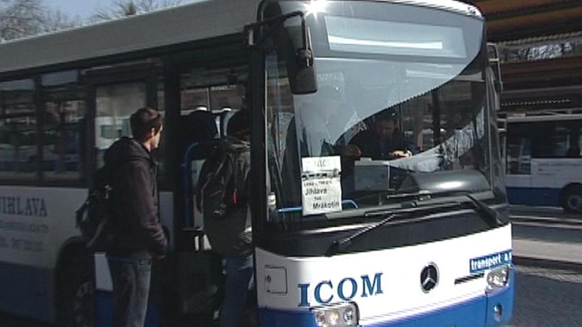 Autobus společnosti Icom transport