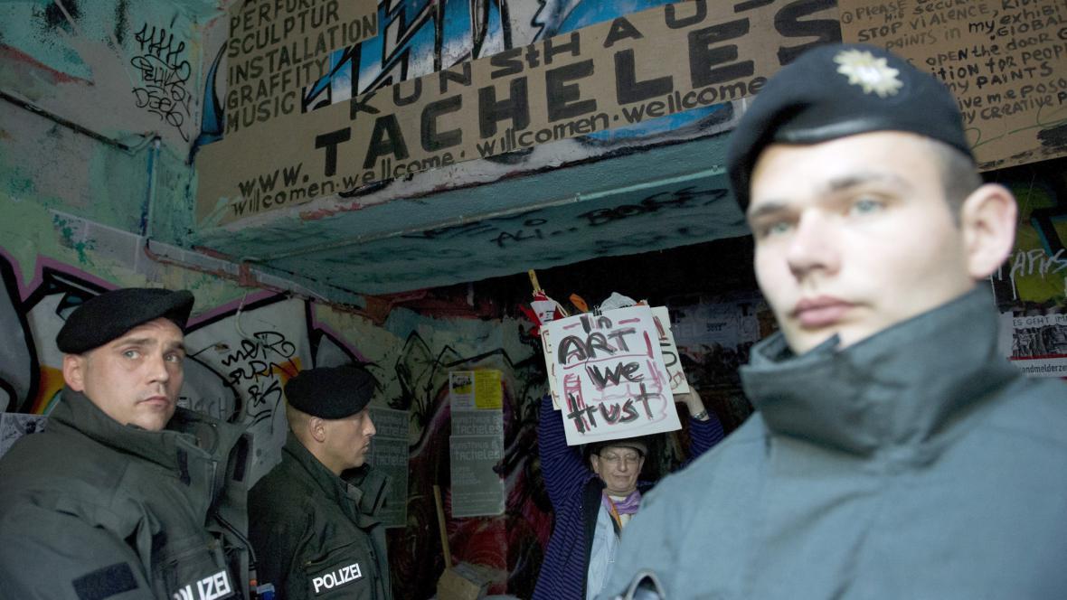 Vyklízení squatu Tacheles