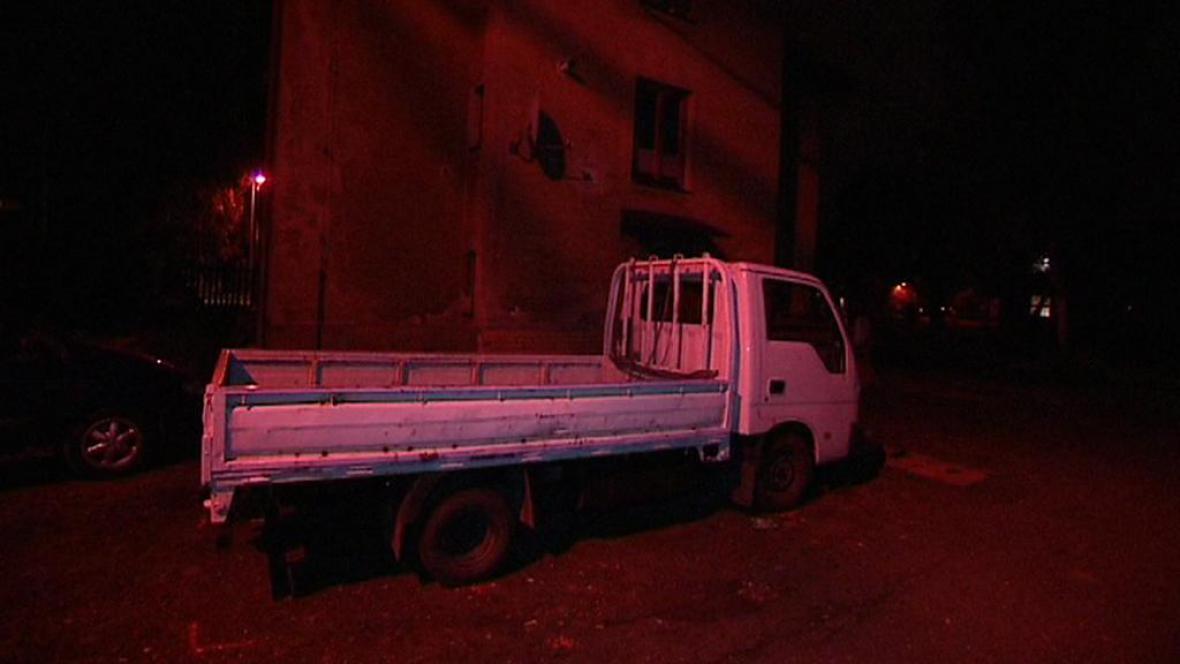 Nákladní automobil, kterým opilý řidič srazil malého chlapce