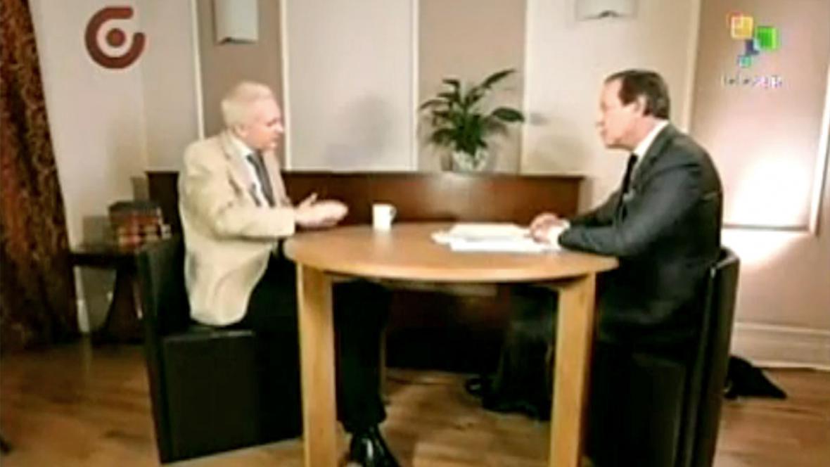 Julian Assange v rozhovoru pro televizi Telesur