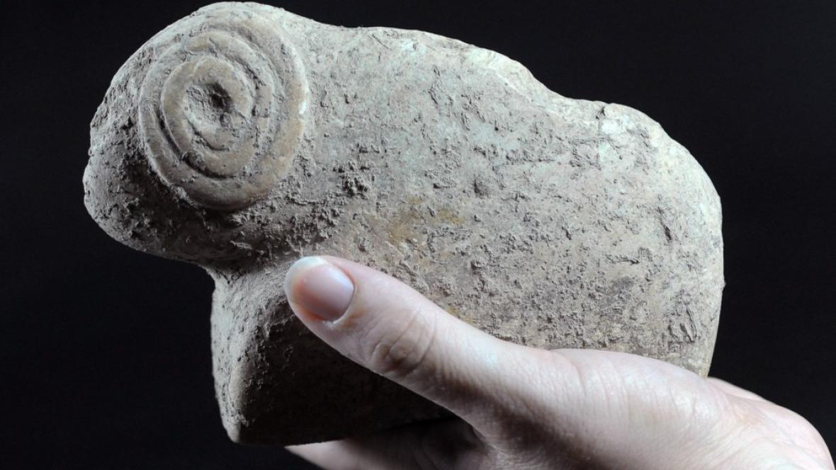 Soška zvířete nalezená u Jeruzaléma