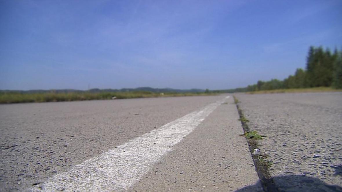 Letiště Hradčany v Ralsku