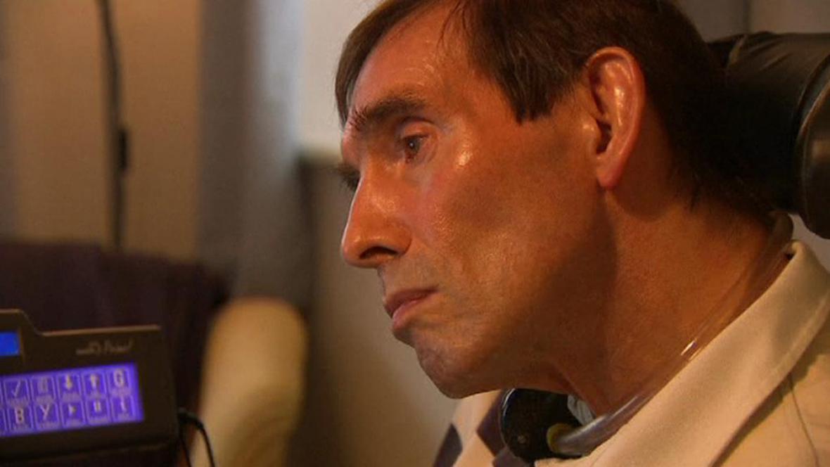 Tony Nicklinson žádá dobrovolné ukončení svého života