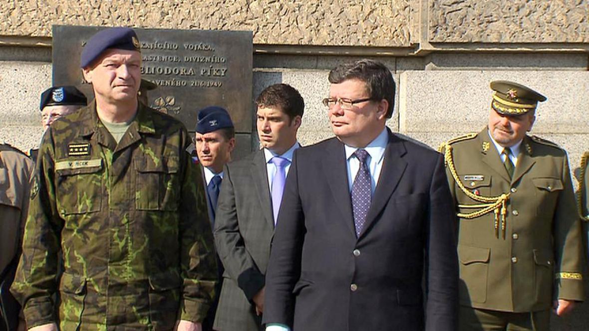 Alexandr Vondra a Vlastimil Picek