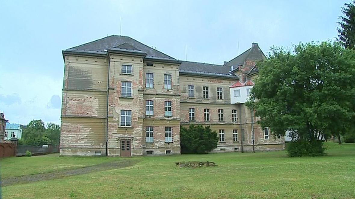 Kněžský seminář ve Vidnavě, kde možná bude detenční ústav