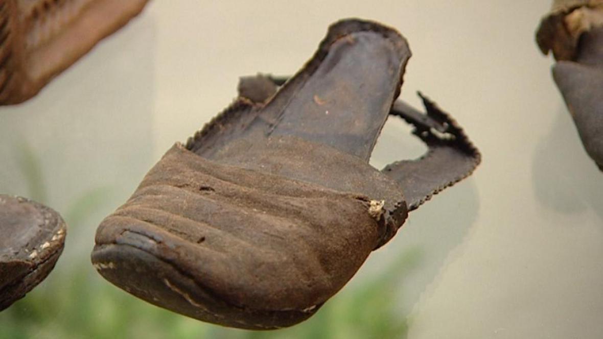 Středověké kožené střevíce