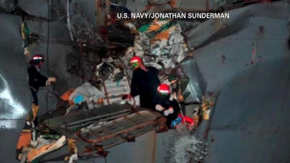 Trhlina v americkém torpédoborci