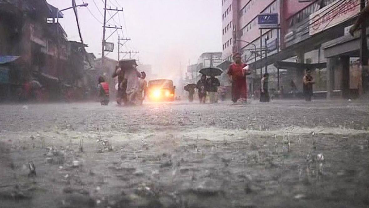 Záplavy v Manile
