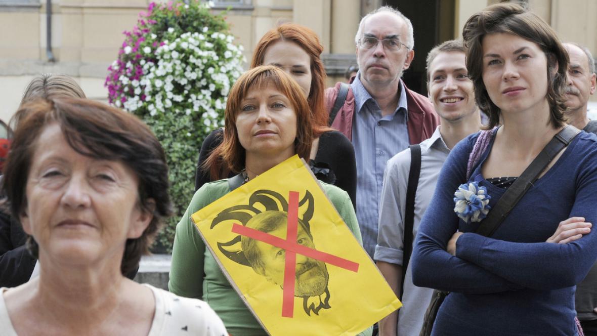 Demonstrace proti Kněžínkovi