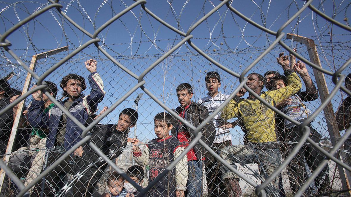 Přistěhovalecký tábor v Řecku u řeky Evros
