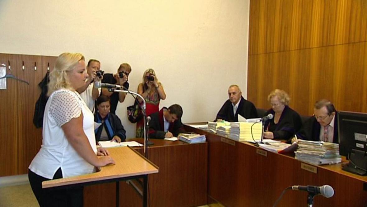 Šárka Mikšanová před soudem