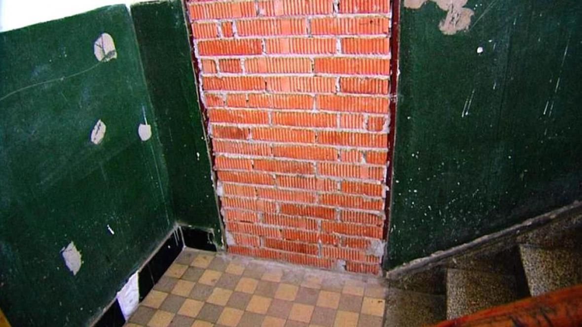 Zazděný vchod do bytu