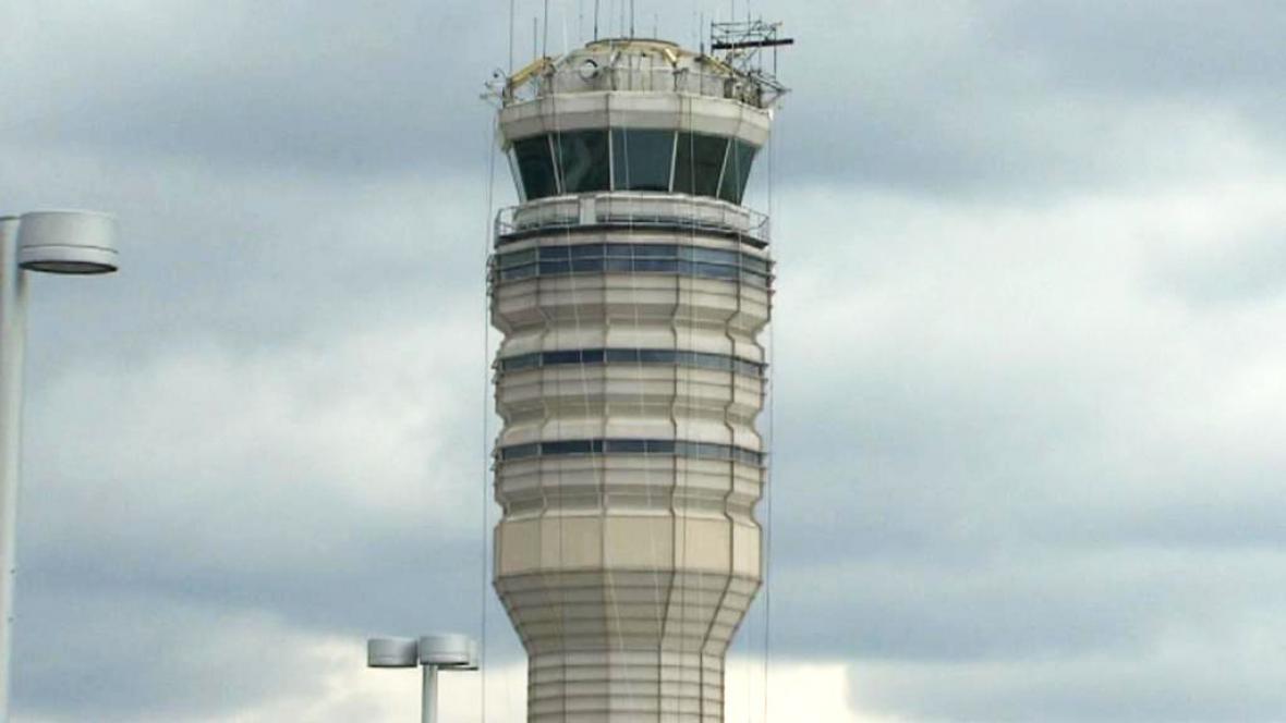 Řídící věž na letišti Ronalda Reagana