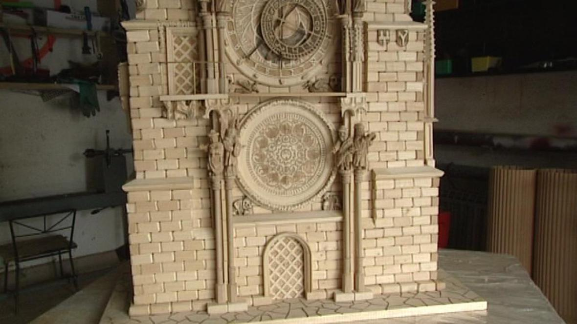 Dřevěný model pražského orloje