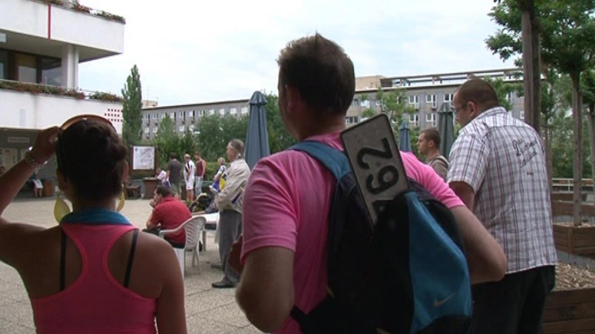 Lidé dopoledne marně čekali na zprovoznění registru