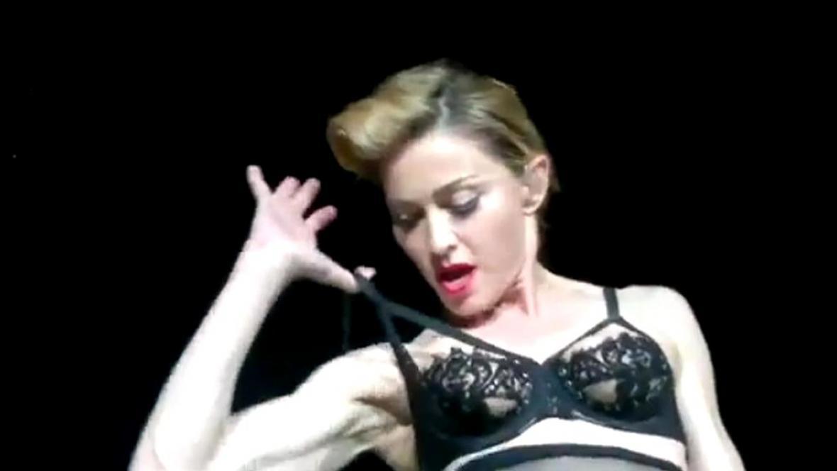Madonna se odhaluje
