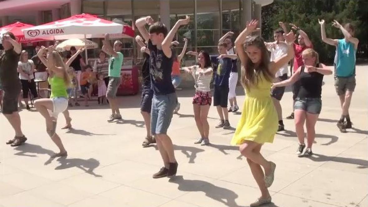 Taneční akce Flashmob v Poděbradech