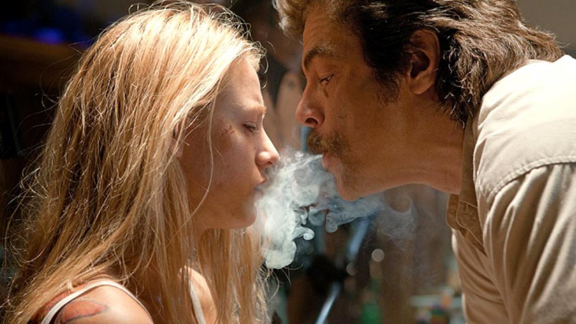 Divoši / Blake Lively a Benicio Del Toro