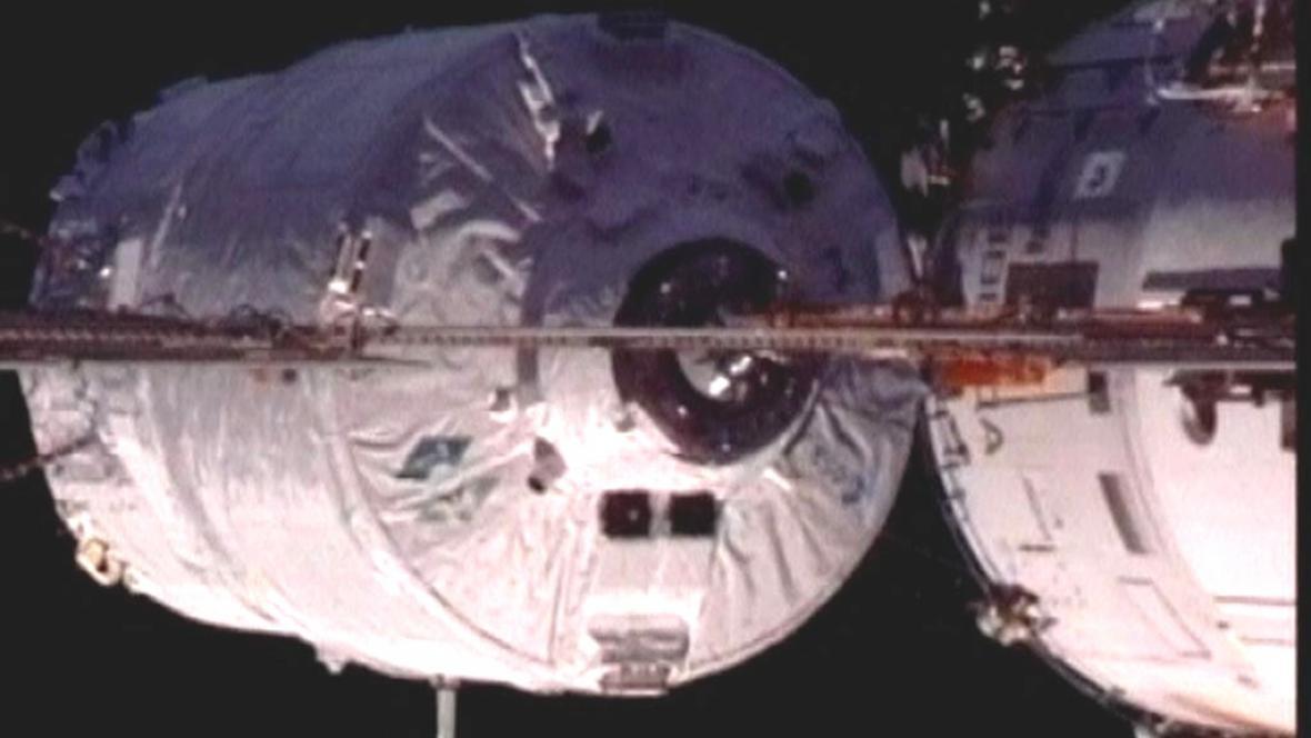 Nákladní loď a ISS