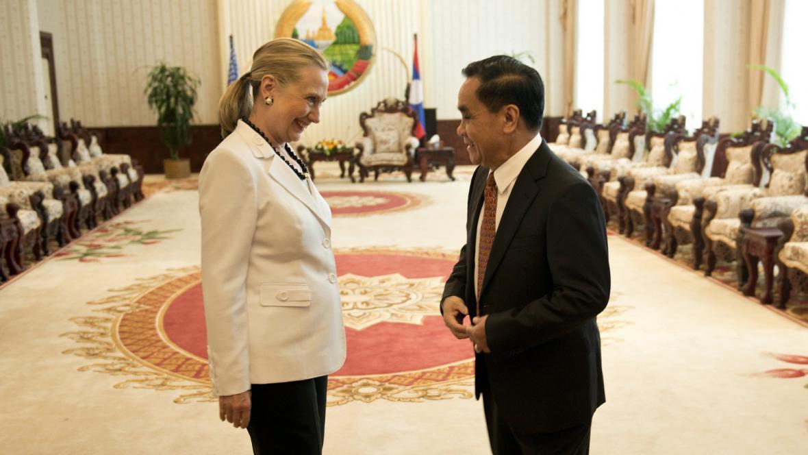 Hillary Clintonová na návštěvě Laosu