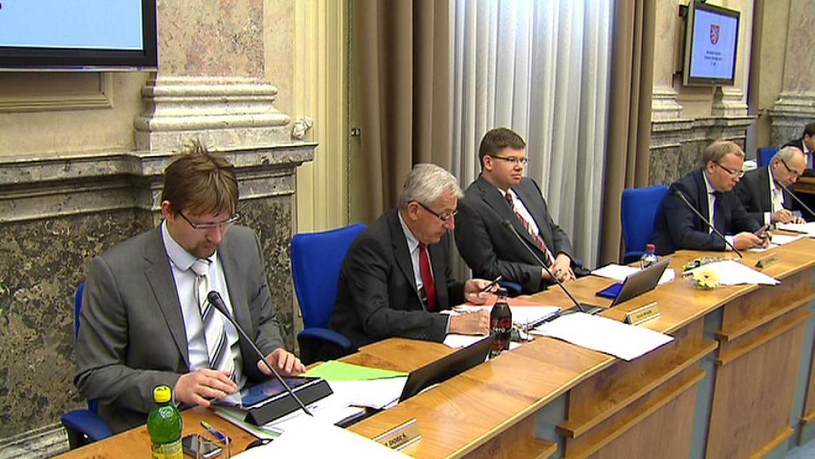 Ministři na jednání vlády