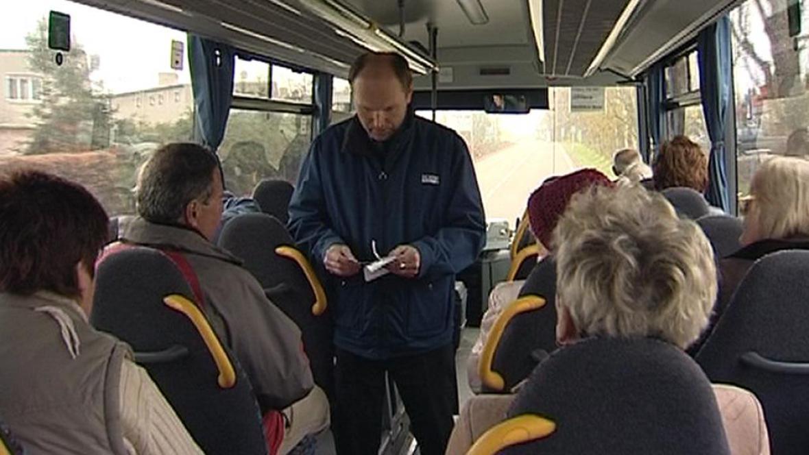 Revizor v autobusu