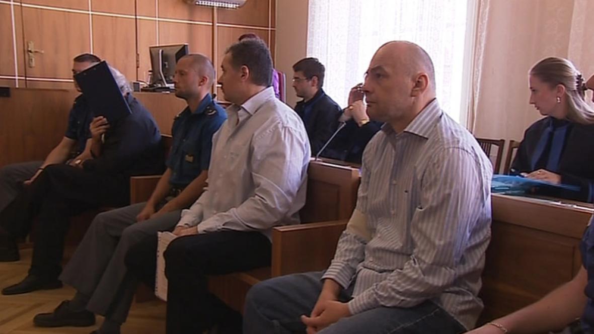 Podvodníci s nemovitostmi před soudem