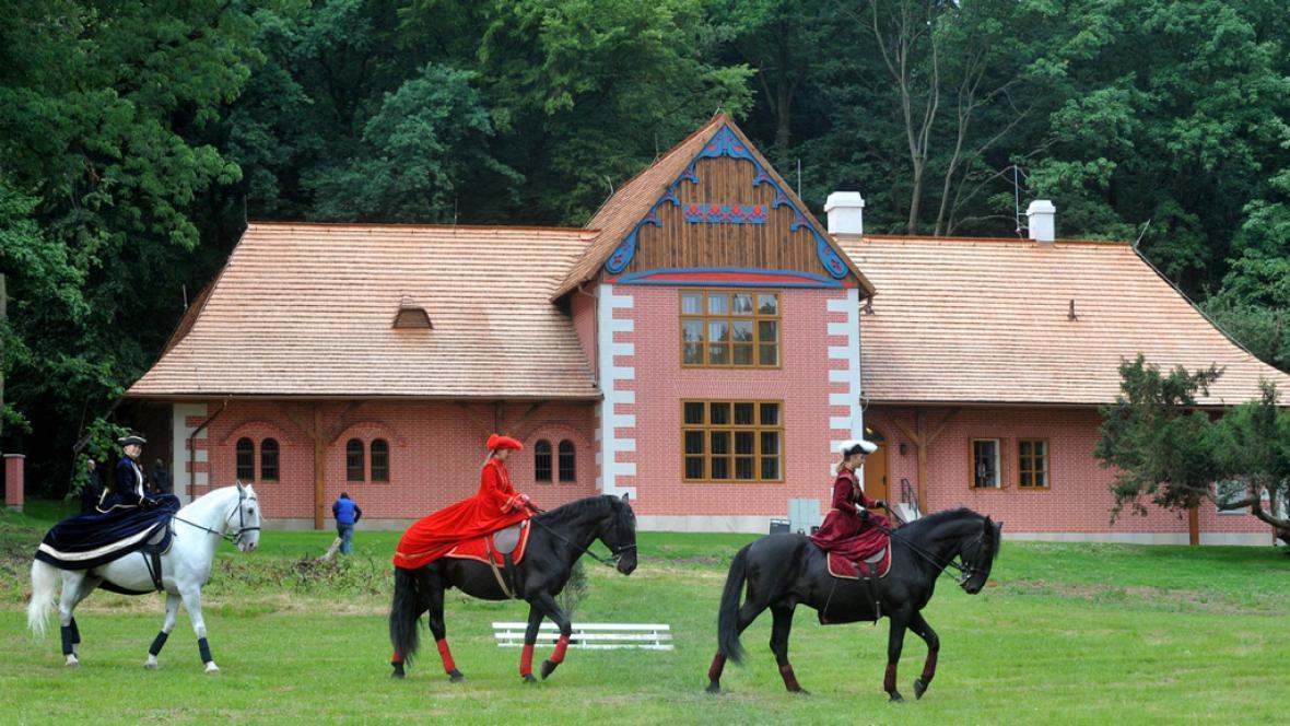 U Slatiňan vzniklo muzeum starokladrubského koně